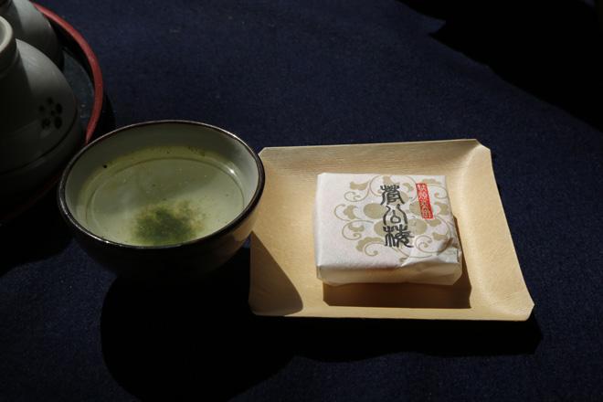 老松の梅こぶ茶と菅公梅 北野天満宮 梅苑 にて